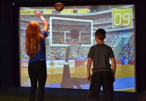 phoca_thumb_l_girl-and-boy-basketball-simulator